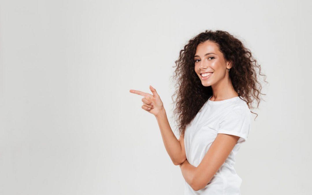 Manchas en los dientes, ¿mejor blanqueamiento o carillas dentales?